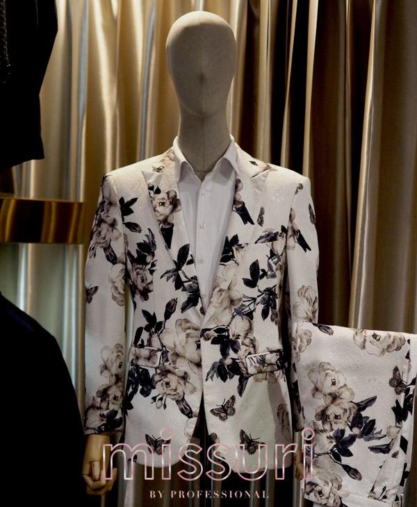 สูทลายดอกไม้สุดคลาสสิคสีขาว แนววินเทจ ย้อนยุค