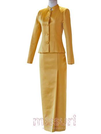 ชุดไทยจิตรลดาสีเหลือง แขนยาวกระบอก กระโปรงทรงผ้าถุงป้าย