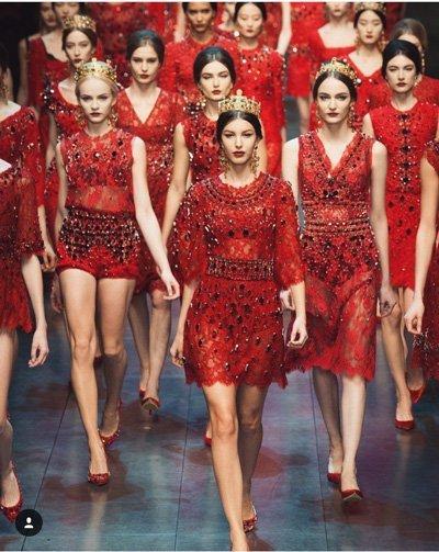 ชุุดราตรีสีแดง สามารถใส่ได้กับทุกสีผิว