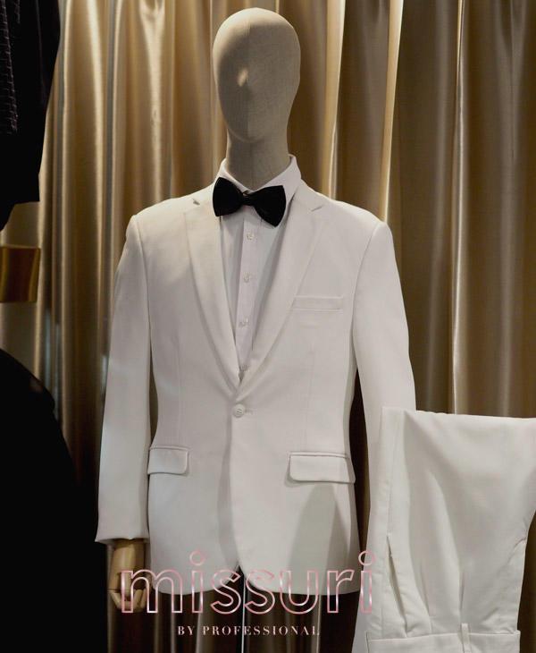 สูทสีขาวผ้าเรียบ สูทสีขาวออกงานทางการ