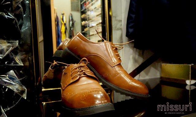 บริการให้เช่ารองเท้า เพื่อให้คุณลูกค้าสามารถจบได้ที่นี่ที่เดียว