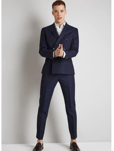สูทสีน้ำเงินทรงเข้ารูป กางเกงแนววัยรุ่นออกงาน