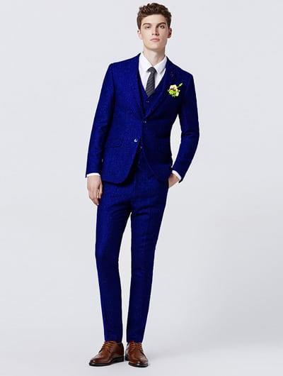สูทสีน้เงินเข้ม Classic Fit Suit เพิ่มความสมาร์ทให้คุณผู้ชายดูดี