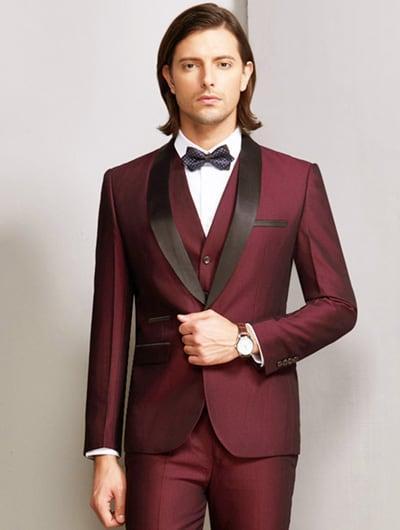 แบบชุดสูททักซิโด้สีเเดงปกเสื้อสีดำ