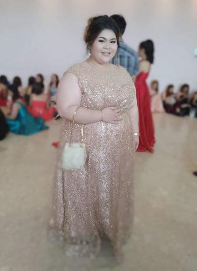 เช่าชุดราตรีสาวอวบยาวผ้ากลิตเตอร์ สีพิ้งค์โกล์ด ชุดออกงานไซส์ใหญ่