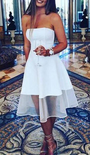 เรียบหรูในชุดMini dressสีขาวซีทรูช่วงขา