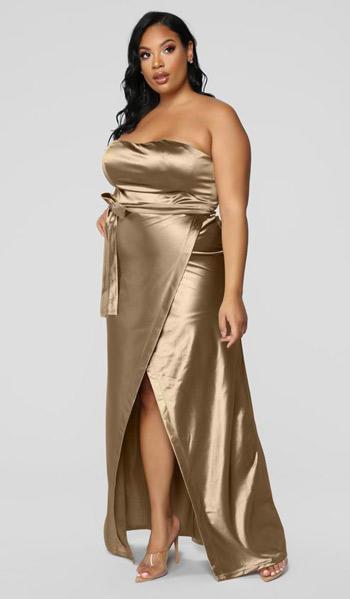 สำหรับสาวพลัสไซส์ชุดออกงานสีทองเกาะอก ผ่าหน้าขา