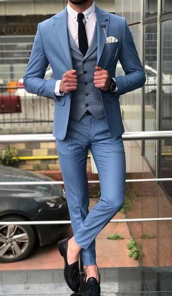 ชุดสูทสีฟ้าผ้าเรียบเเมตท์เข้ากับเสื้อกั๊กสีฟ้าลายตารางทรงSlim Fit