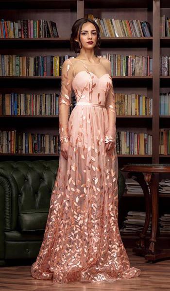 ราตรีเเขนยาวซีทรูสีชมพูกระโปรงบานสไตล์เจ้าหญิง