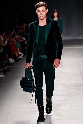 ผ้ากำมะหยี่หรูหราทรงSlim Fit แบบหนึ่งกระดุมแมตท์เสื้อยืดสีดำ